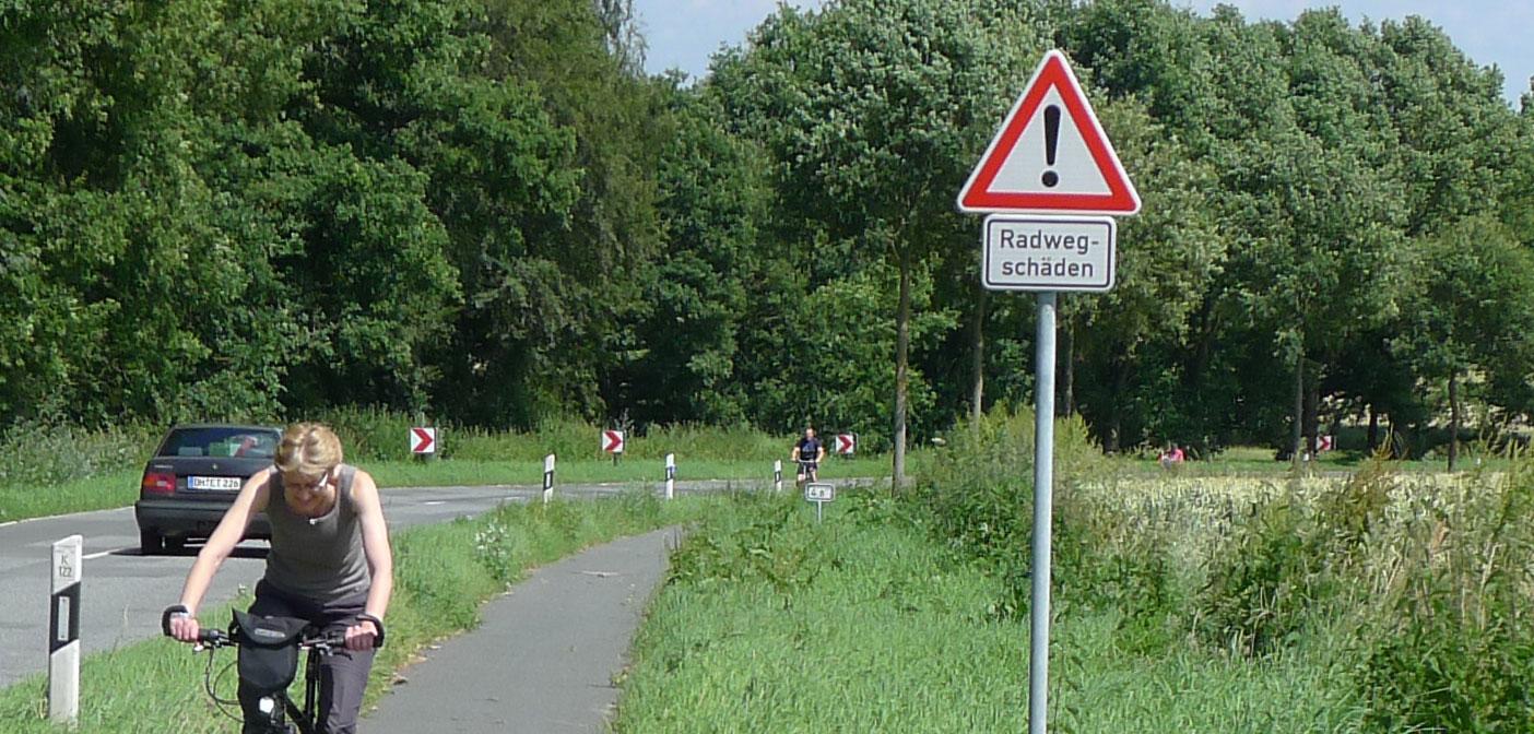 Radwegschaeden1404