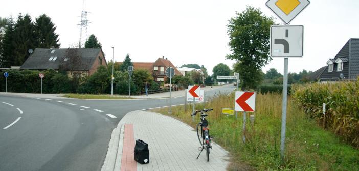 Stuhr Schulstraße abknickende Vorfahrt