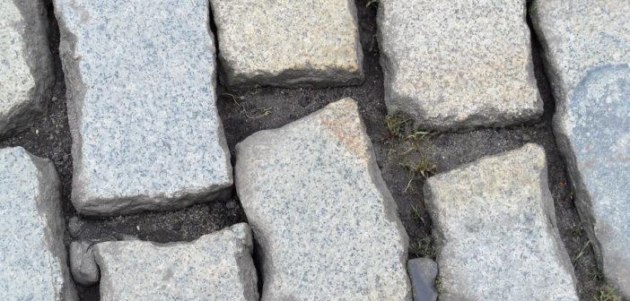 Twistringen: 800 Unterschriften gegen Holperpflaster